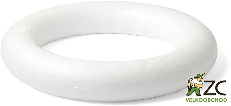Kroužek polystyren - 17 cm Popis:Polystyrénový kroužek pro výrobu věnců.Rozměr:Vnější průměr: 17 cmVnitřní průměr: 9 cm