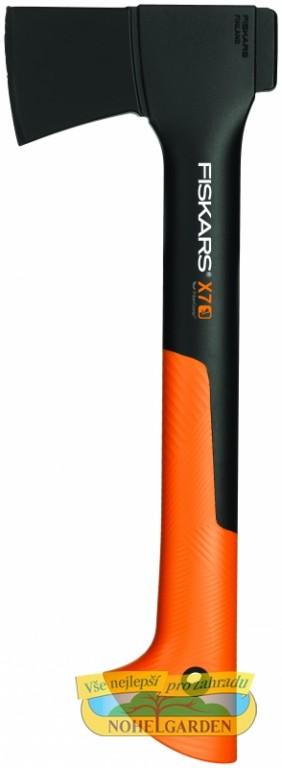 Sekera FISKARS X7 univerzální pro kempování Univerzální sekera je vhodná pro přípravu drobného dřeva při kempování. Má přepracovaný kryt čepele pro snadné přenášení. Topůrko je velmi lehké a pevné z FiberComp