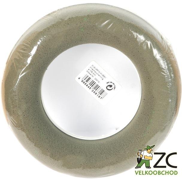 Florex - kroužek 18cm/17 cm 6ks Popis:Aranžovací hmota vysoké kvality pro živé rostliny ve tvaru kroužku s podložkou. Z důvodu možného poškození prodáváme florex pouze po celých baleních.Rozměr:vnější průměr: 18 cmvnitřní průměr: 9 cmBarva:tmavě zelená