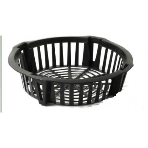 Košík na cibuloviny - 30 cm Popis:Košík na cibuloviny je určený k sázení a skladování cibulovin. Slouží také jako ochrana před hlodavci. Usnadňuje vyjmutí cibulovin z půdy a zamezuje jejich poškození rýčem.Materiál:plastBarva:černáRozměry:průměr: 30 cm