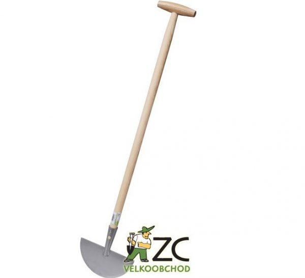 Sekáč na ohraňování trávníku s násadou Popis:Kovový sekáč na ohrňování trávníku - s dřevěnou násadou.Rozměr:Šířka sekáče: 20 cm.Násada:Násada dřevěná