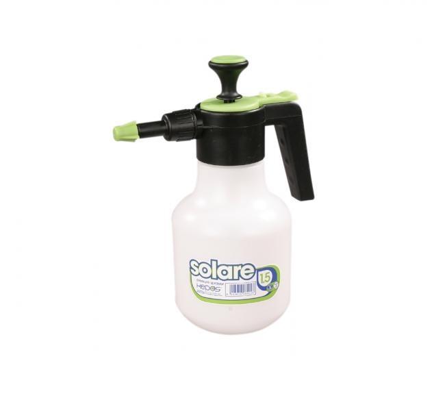 Rozprašovač tlakový SOLARE 1500ml Bílo-černý plastový tlakový ruční rozprašovač s bílou nádobkou ve tvaru válce a s černou rozprašovací částí. Používá se k rosení
