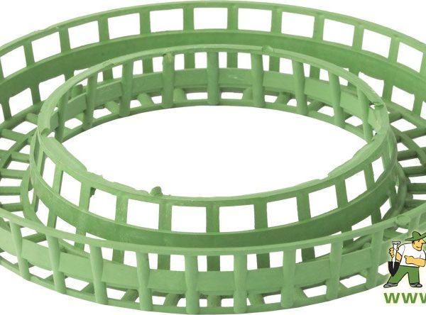Korpus na věnec plastový - 17 cm Popis:Plastový korpus zelené barvy určený k výrobě věnců.Svíčky vhodné ke zdobení adventních věnců.Rozměr:tloušťka: 33 mm průměr: 170 mm Barva:zelená